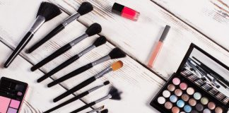 alat make up, tips membersihkan alat make up