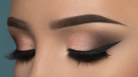 smokey eyes, glitter, glamor look