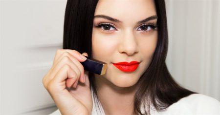 red, lipstick